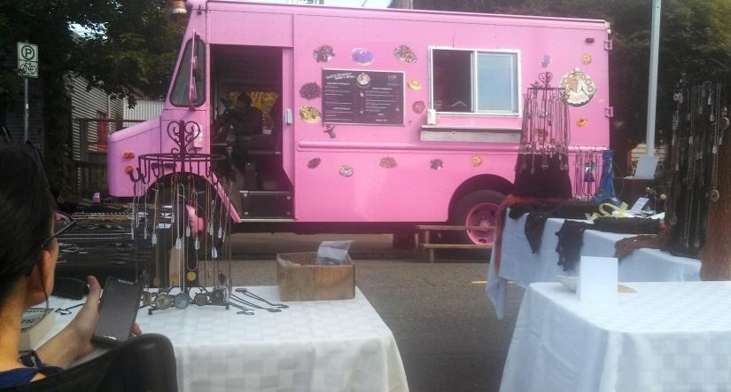 Voodoo Donuts truck